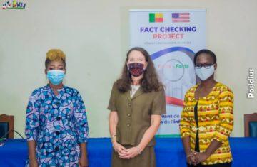 L'équipe du projet et l'ambassadeur des Etats-Unis près le Bénin